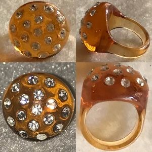 Retro / Vintage Ring with Crystals on Top